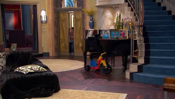Penthouse on Disney TV Show Jessie (1)