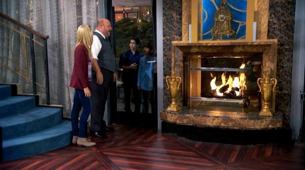 Penthouse on Disney TV Show Jessie (11)