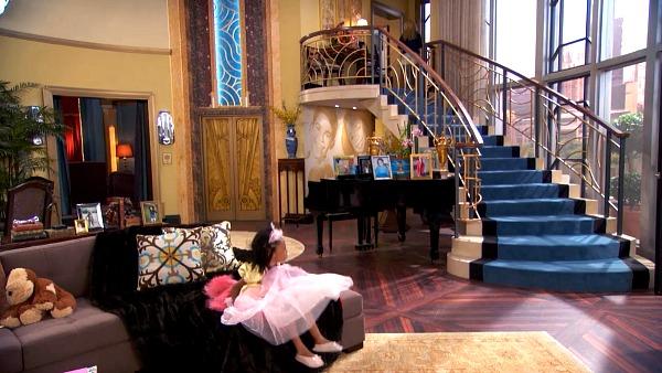 The Fabulous Family Penthouse On The Disney Show Quot Jessie Quot