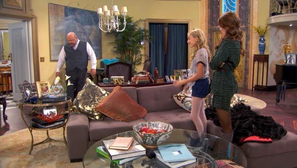 Penthouse on Disney TV Show Jessie (19)