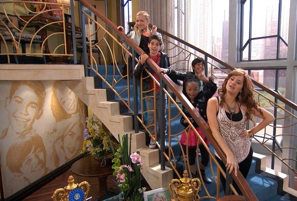 Penthouse on Disney TV Show Jessie (20)