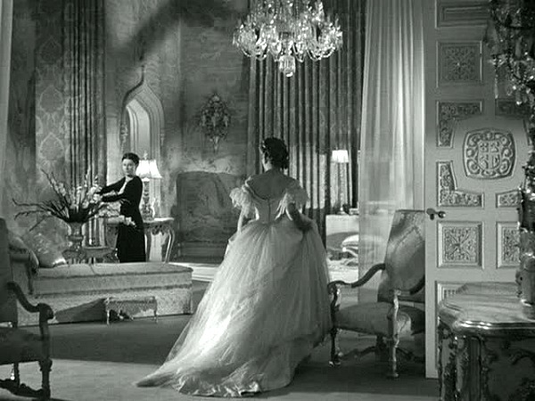 Rebecca's grand bedroom in the classic film 2