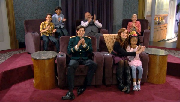 Screening Room on TV Show Jessie (6)