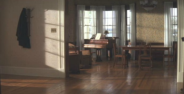 The Notebook movie house front hall