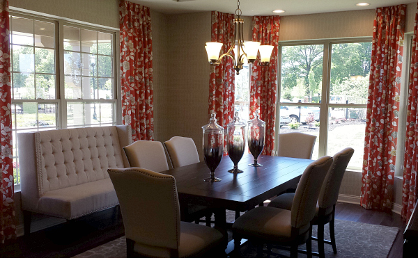10 decorating ideas spotted in a model home hooked on houses for Model home dining room