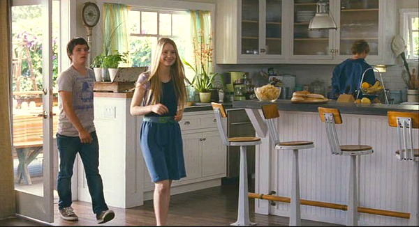 kitchen with white cabinets in The Kids Are All Right movie