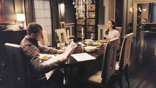 Brad Pitt and Angelina Jolie in Mr. and Mrs. Smith dining room