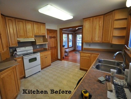 Craftsman Bungalow Kitchen BEFORE