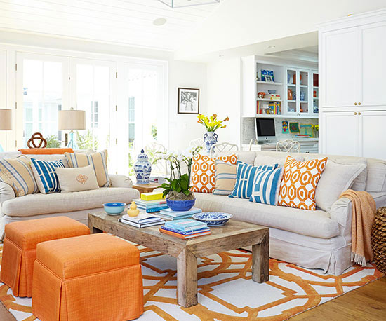 Styling a colorful ranch for better homes gardens hooked on houses for Better homes and gardens living room pictures