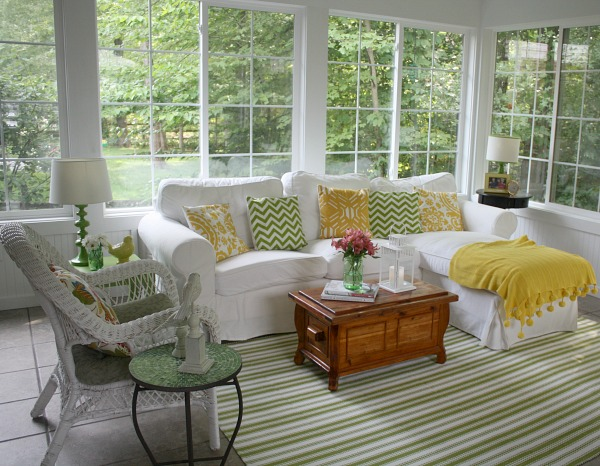 Julia's Sunroom Hooked on Houses Summer 14 (25)
