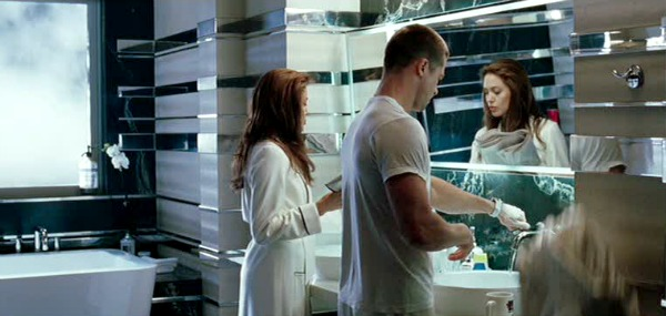 Mr. and Mrs. Smith movie house bathroom