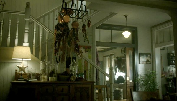 Witches of East End Beauchamp family kitchen 2 (3)