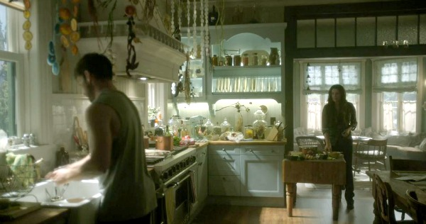 Witches of East End Beauchamp family kitchen 2 (5)