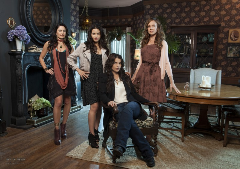 Witches of East End Cast Photo