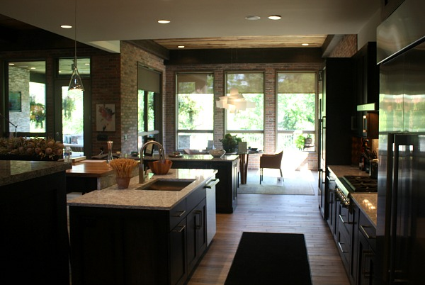 brick-walled kitchen in Virtuoso