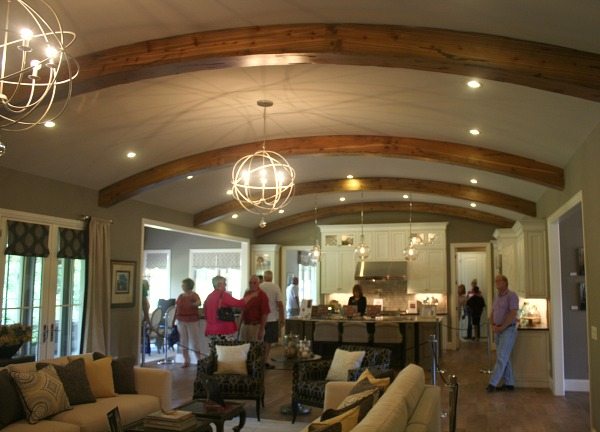 great room with barrel vaulted ceiling