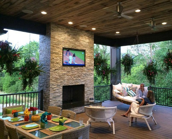 huge covered porch at Homearama