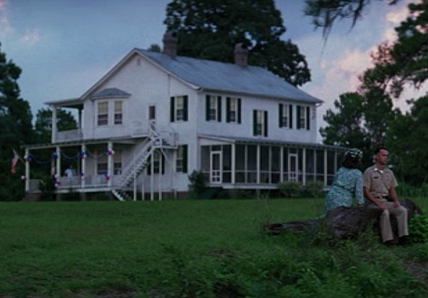 I Wish We D Gotten To See More Of The Rooms Inside House Like Kitchen And Screened Porch