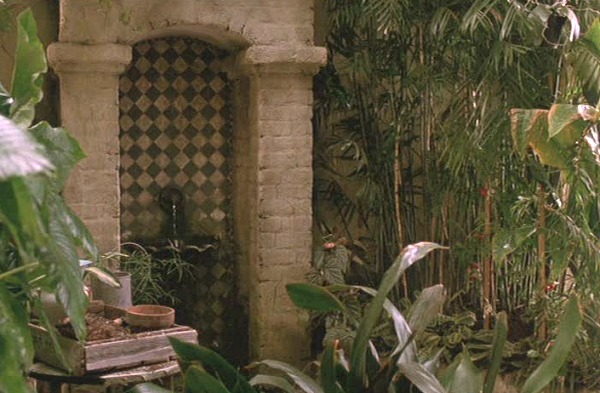 """Andie MacDowell's Apartment in the Movie """"Green Card""""   hookedonhouses.net"""