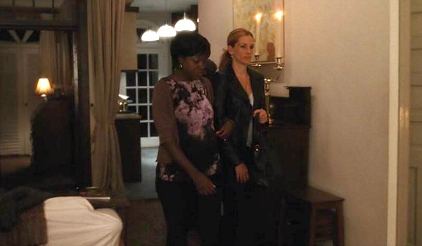Viola Davis and Julia Roberts in Eat Pray Love