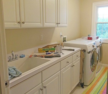 "A Laundry Room's ""Wow!"" Makeover"
