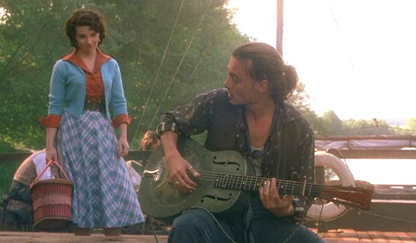 Juliette Binoche and Johnny Depp in Chocolat