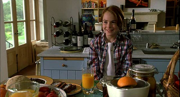 Lindsay Lohan in The Parent Trap vineyard kitchen