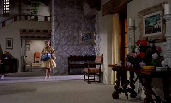 "The Original ""Parent Trap"" Movie Sets | hookedonhouses.net"