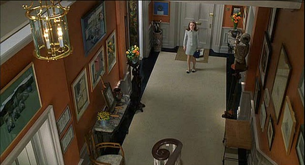 Lindsay Lohan walking into townhouse entry hall in Parent Trap