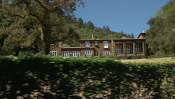 exterior of Dennis Quaid\'s Napa Valley ranch in the Parent Trap movie