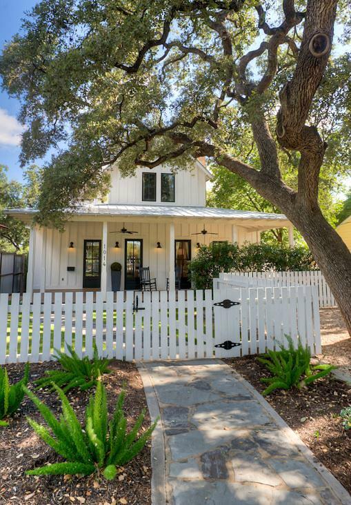 Modern Farmhouse For Sale in Austin TX | hookedonhouses.net