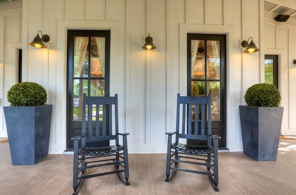 Modern Farmhouse For Sale Austin TX | hookedonhouses.net