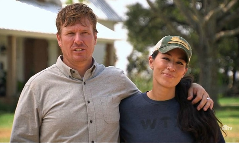 Chip and Joanna Gaines on Fixer Upper screenshot