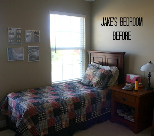 Bedroom BEFORE Shiplap Makeover | hookedonhouses.net