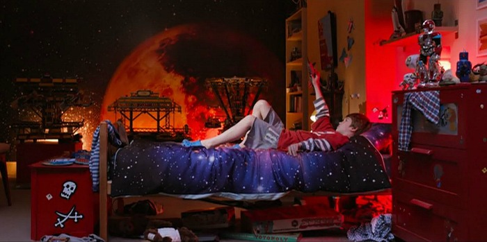 boy\'s room with space theme