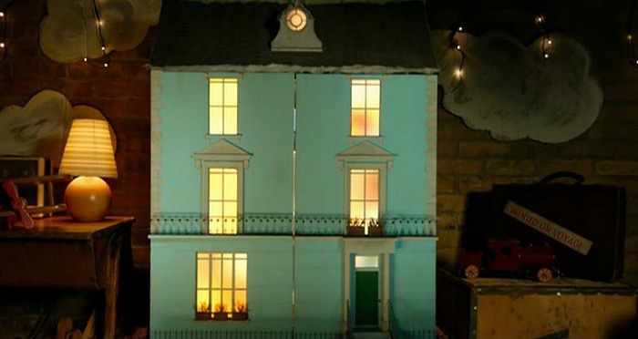 The Dollhouse from the movie Paddington | hookedonhouses.net