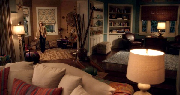 screenshot of beach house interior on Grace and Frankie
