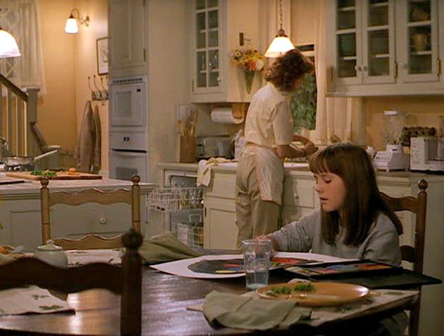 Susan Sarandon's kitchen in the movie Stepmom | hookedonhouses.net