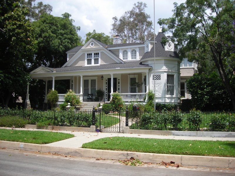 """Daddy Day Care"" movie house  today 351 N. Congress in Pasadena via I Am Not a Stalker blog"