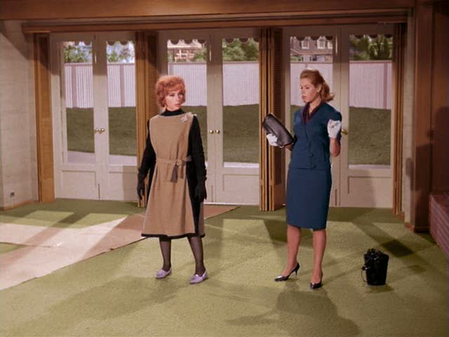 Endora and Samantha in new living room on Bewitched