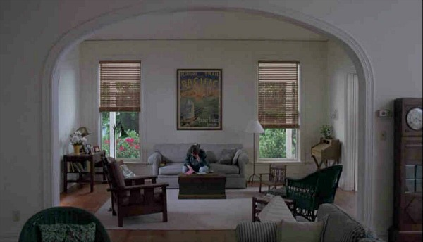 The Hand That Rocks the Cradle movie house living room