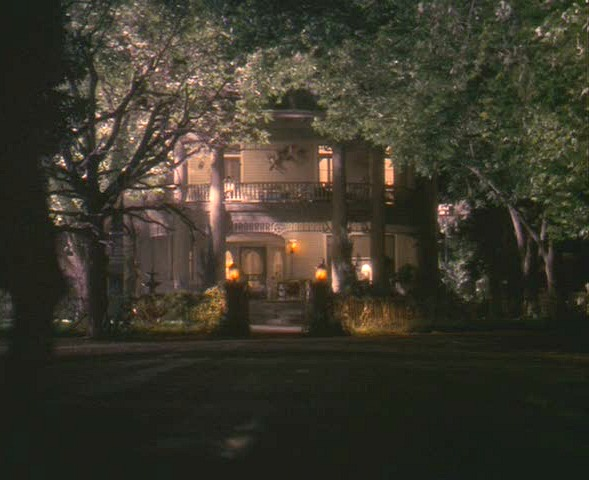 """Hope Floats"" house at night"