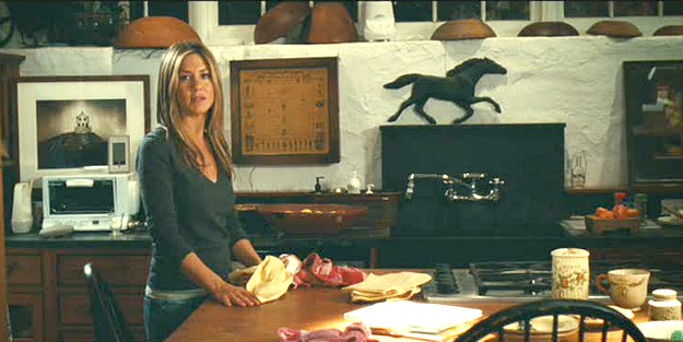 "Jennifer Aniston in the movie ""Marley and Me"" farmhouse kitchen"