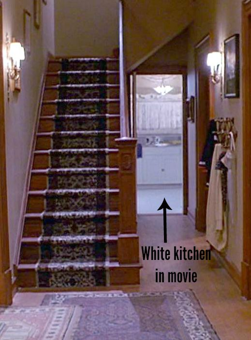 Joyce's white kitchen in Kindergarten Cop movie