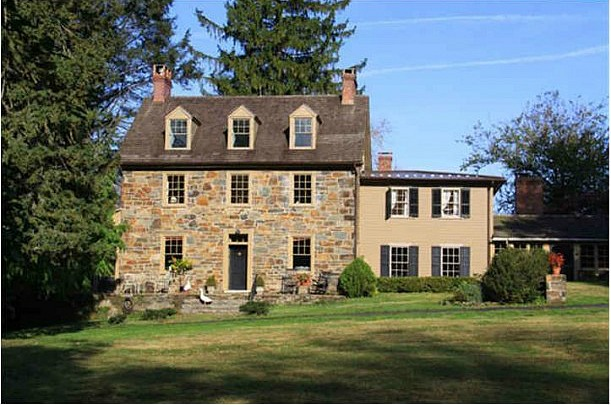 Marley and Me farmhouse for sale