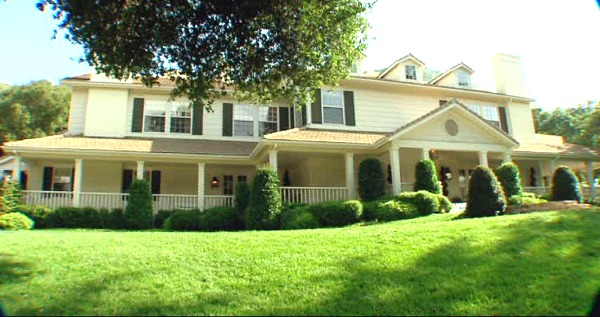 """Monster-in-Law filming location same as Independence Inn from """"Gilmore Girls"""""""