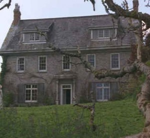Can You Name the 10 Oscar-Nominated Films These Houses Starred In?