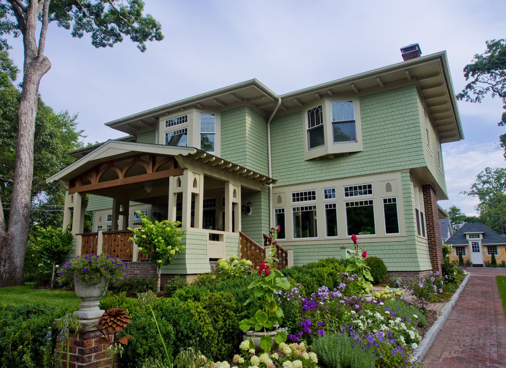 Remodeled American Foursquare House in Allenhurst by Degnan Design