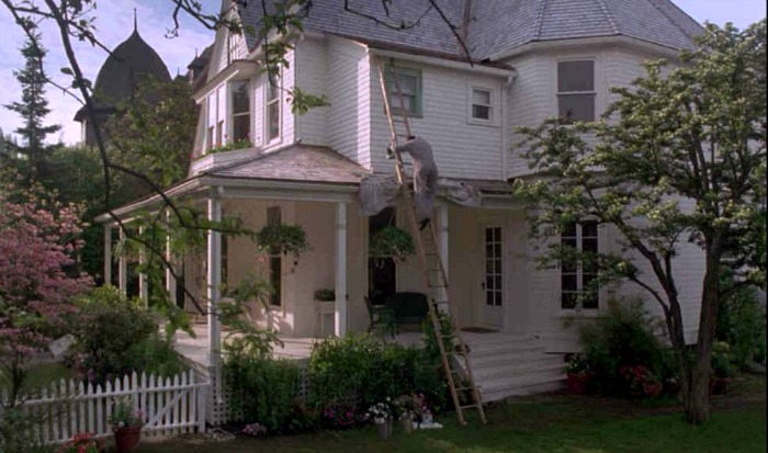 "The white house from the movie ""The Hand That Rocks the Cradle"" 808 Yakima in Tacoma WA"