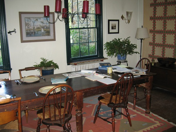 Behind the Scenes dining room in Marley and Me movie